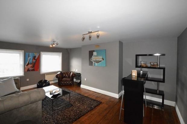 Property for sale in Queen Street Apartments, Salisbury
