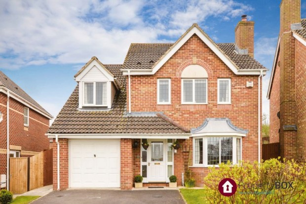 Property for sale in Millennium Close, Salisbury