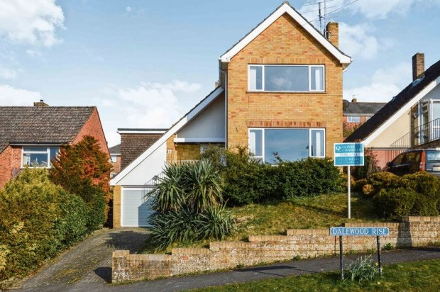 Property for sale in Dalewood Rise, Salisbury