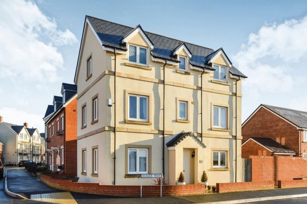 Property for sale in Roger Way, Salisbury
