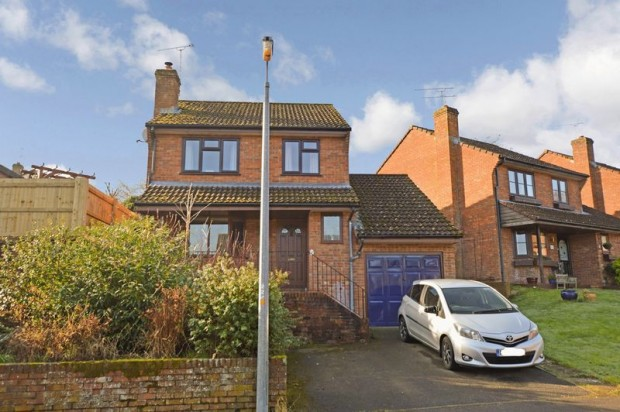 Property for sale in Oakwood Grove, Salisbury