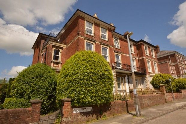 Property for sale in 41 Wyndham Road, Salisbury