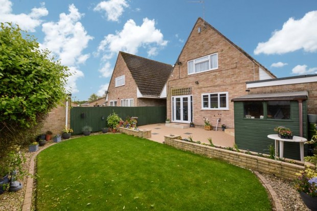 Property for sale in Saddlers Mead, Wilton