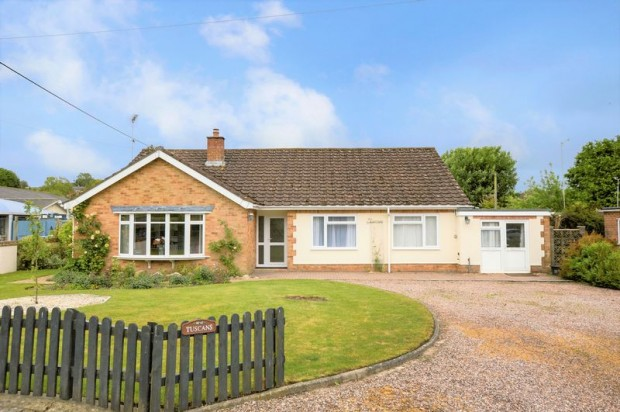 Property for sale in Tanners Lane, Salisbury
