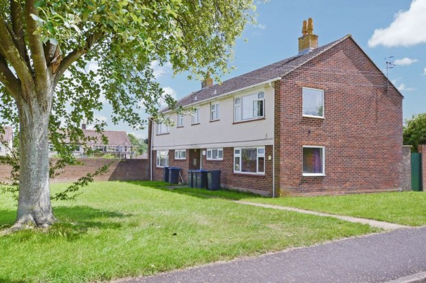 Property for sale in Fotherby Crescent, Salisbury
