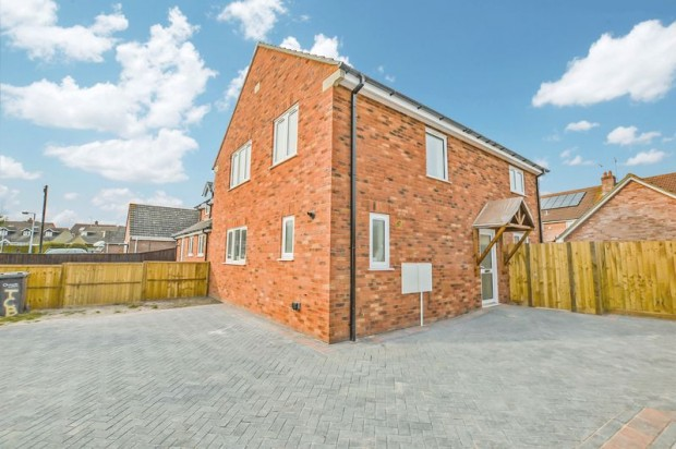 Property for sale in Willow Drive, Salisbury