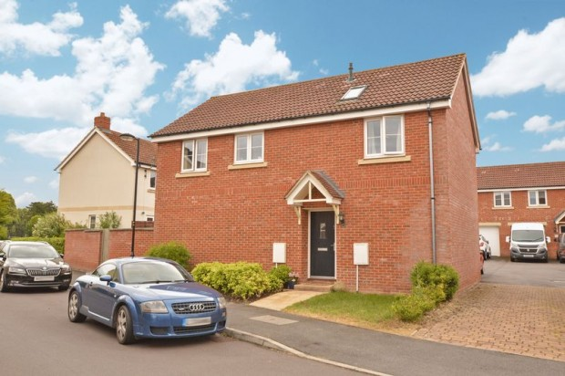 Property for sale in Castle Well Road, Salisbury