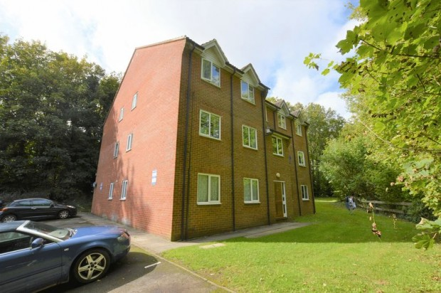 Property for sale in Sarum Close, Salisbury