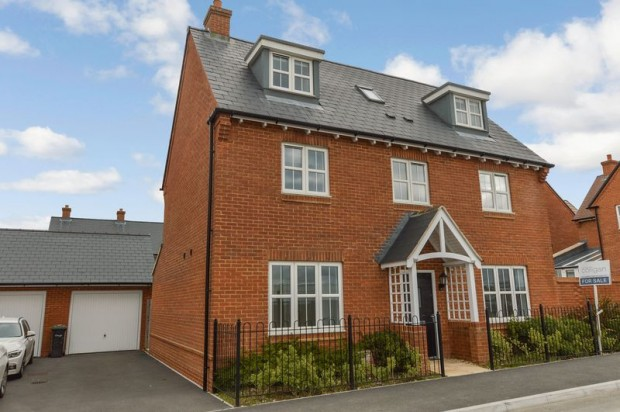 Property for sale in Great Amber Way, Salisbury