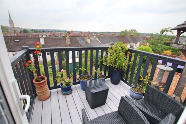 Property for sale in Fowlers Road, Salisbury