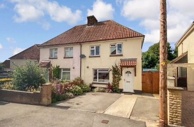 Property for sale in Waters Road, Salisbury