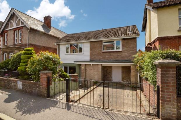 Property for sale in Victoria Road, Salisbury