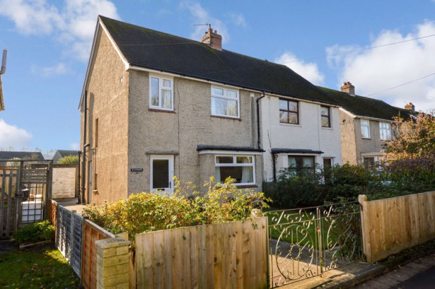 Property for sale in Middle Street, Salisbury