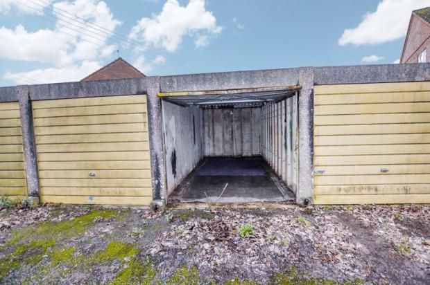 Property for sale in Green Lane, Salisbury