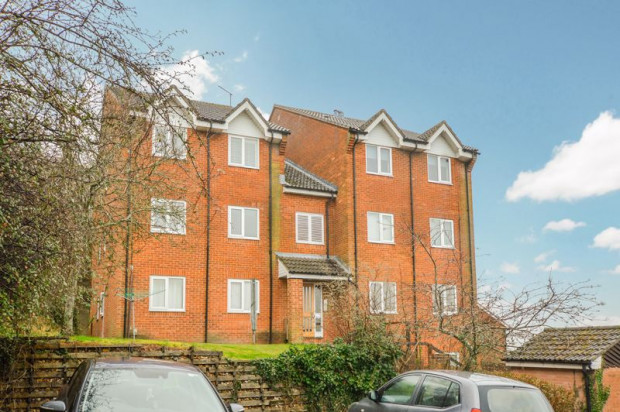 Property for sale in Sarum Close, Salisbury
