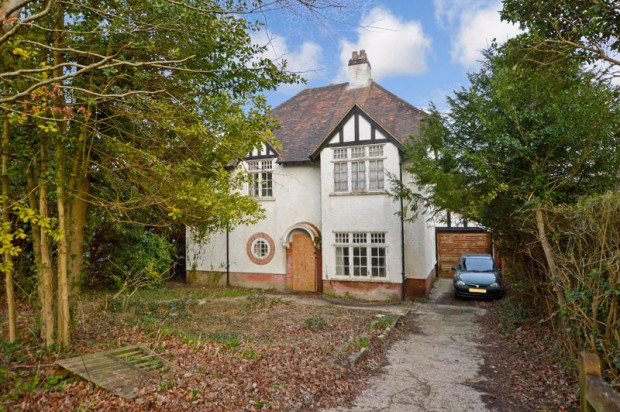 Property for sale in Bouverie Avenue South, Salisbury