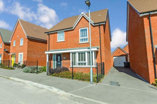 Property for sale in Robinson Grove, Salisbury