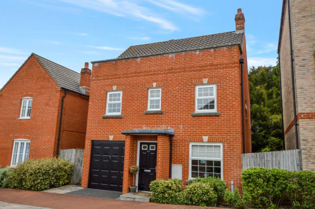 Property for sale in Wellworthy Drive, Salisbury