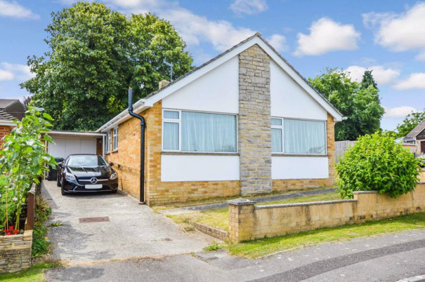 Property for sale in Bulbridge Road, Salisbury