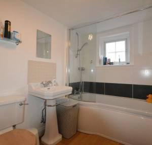 2 Bedroom Flat for sale in Queen Street Apartments, Salisbury
