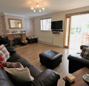 3 Bedroom Bungalow for sale in Glenfield Close, Salisbury