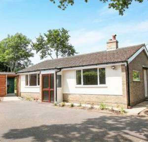 2 Bedroom Bungalow for sale in Crockford Road, Salisbury