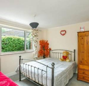 2 Bedroom Bungalow for sale in Crockford Road, Salisbury