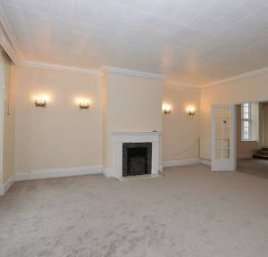 2 Bedroom Flat for sale in 60 Harnham Road, Salisbury