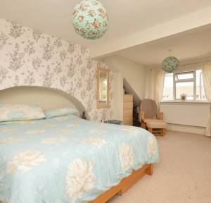 3 Bedroom House for sale in North Street, SALISBURY