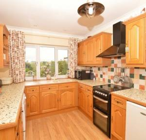 3 Bedroom Bungalow for sale in Idmiston Road, Salisbury