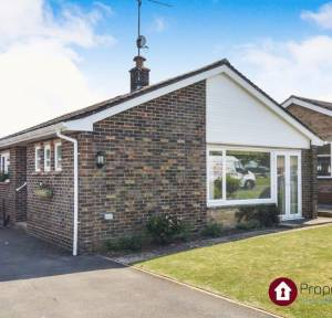 2 Bedroom Bungalow for sale in Greenfields, Salisbury