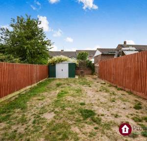 2 Bedroom Flat for sale in Neville Close, Salisbury