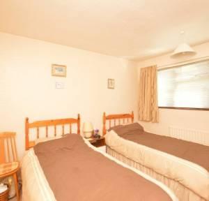 4 Bedroom House for sale in Westfield Close, Salisbury