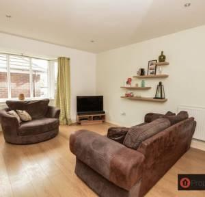 3 Bedroom House for sale in St. Clements Way, Salisbury