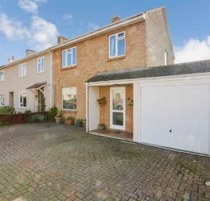 3 Bedroom House for sale in Rambridge Crescent, Salisbury