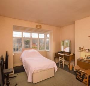 3 Bedroom House for sale in London Road, Salisbury