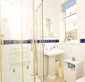 2 Bedroom Bungalow for sale in Greenwood Avenue, Salisbury