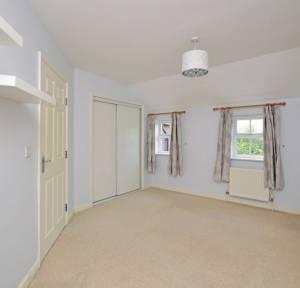 2 Bedroom Apartment / Studio to rent in Spire View, Salisbury