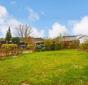 2 Bedroom Bungalow for sale in Bourne View, Salisbury