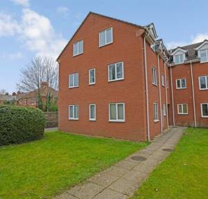 2 Bedroom Flat for sale in Ayleswade Road, Salisbury
