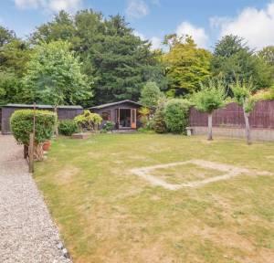 5 Bedroom Bungalow for sale in Firs Road, Salisbury