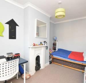 2 Bedroom House for sale in College Street, Salisbury