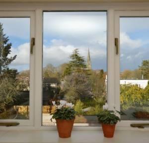 3 Bedroom Flat for sale in Harnham Road, Salisbury