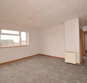 2 Bedroom Flat for sale in Gainsborough Close, Salisbury