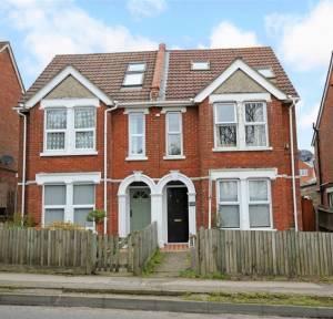 3 Bedroom House for sale in Coombe Road, Salisbury