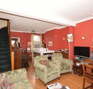 2 Bedroom House for sale in Hamilton Road, Salisbury
