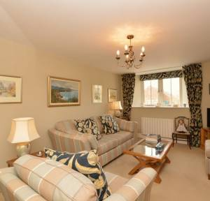 2 Bedroom House for sale in Old School Mews, Salisbury