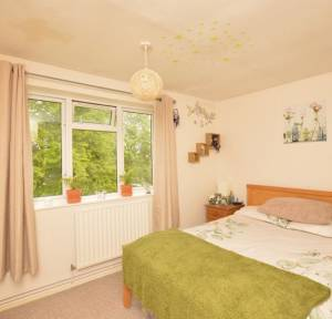 1 Bedroom Flat for sale in Essex Square, Salisbury