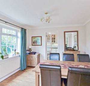 4 Bedroom House for sale in Hilltop Way, Salisbury