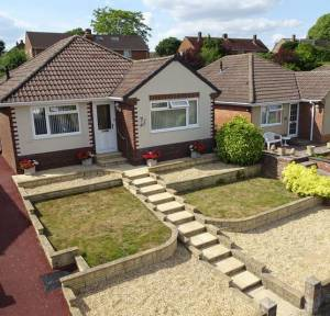 3 Bedroom Bungalow for sale in Sunnyhill Road, Salisbury